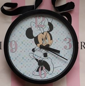 Minnie mouse clock